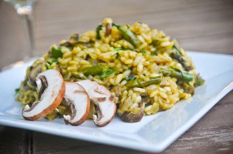 Vegan Risotto with Asparagus & Mushroom