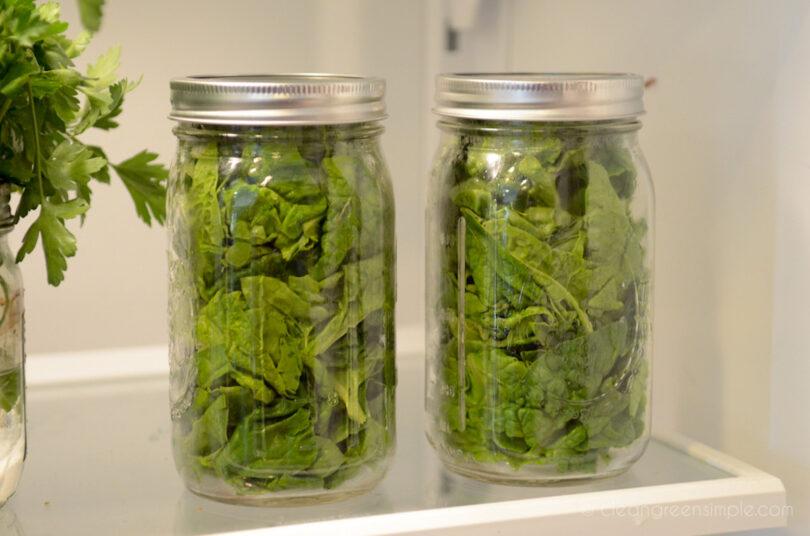 Storing lettuce in mason jars