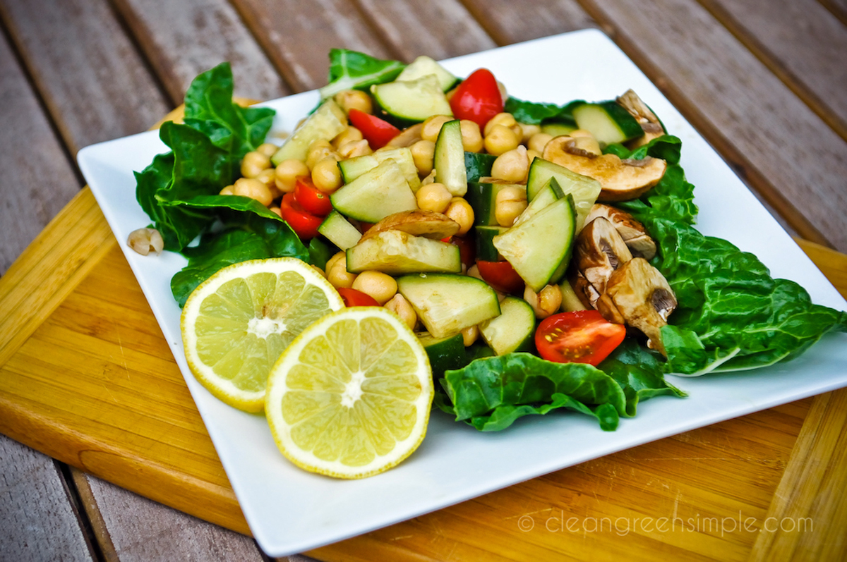 chickpea & cucumber salad