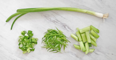 how to cut scallions