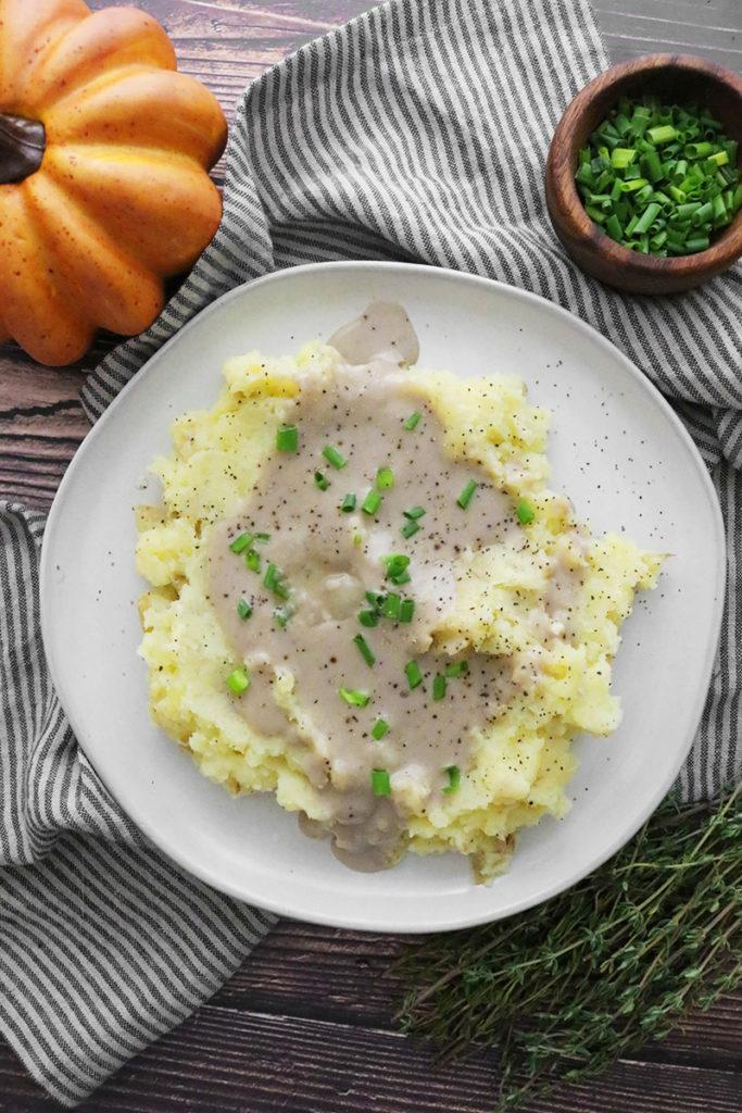 Vegan Mashed Potatoes & Mushroom Gravy