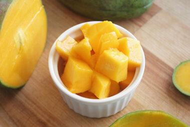 How to Cut a Mango: 3 Ways