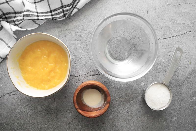 ingredients for vegan jello with fruit puree