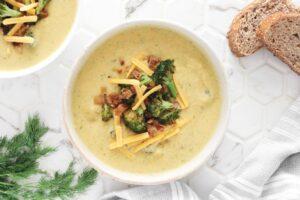 Cheesy Vegan Broccoli Soup