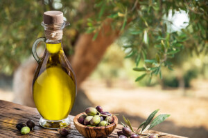 7 Different Types of Olive Oil (+Dipping Oil Recipe)