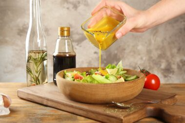 10 Best Salad Dressing Containers for Healthy Eating on the Go
